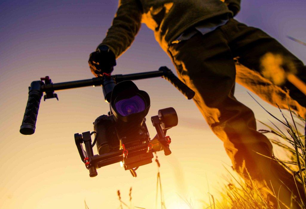 tanıtım filmleri - camera gimbal d    evi 1024x701 - Tanıtım Filmleri